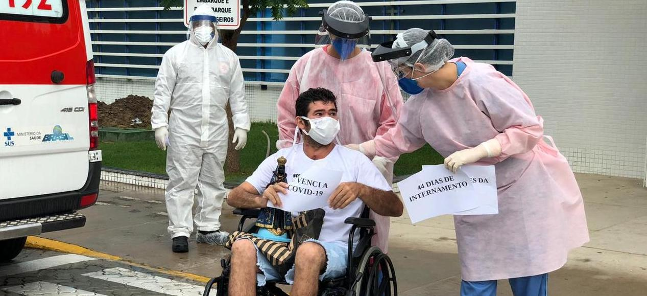 Paciente internado há 44 dias por Covid-19 recebe alta do HMV